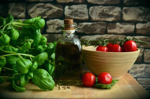Olive-oil-tomato-basil