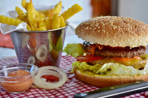 Burger-chips-1